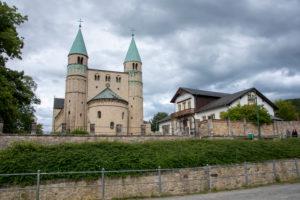 Deutschland, Sachsen-Anhalt, Gernrode, Stiftskirche St. Cyriakus. In der Kirche befindet sich eine aus dem 11. Jahrhundert stammende Gruftanlage. Sie gilt als eine der ältesten Nachbauten des Jerusalemer Heiligen Grabes nördlich der Alpen.