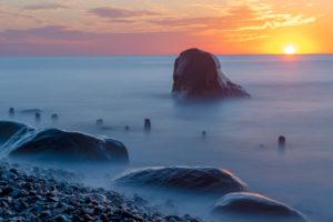 Deutschland, Mecklenburg-Vorpommern, Sassnitz, Sonnenaufgang am Meer, Nationalpark Jasmund, Unesco-Weltnaturerbe, Ostsee