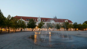 Germany, Saxony-Anhalt, Magdeburg, Domplatz with water fountain and the state parliament of Saxony-Anhalt
