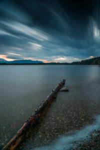 Sturmwolken am See