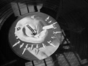Schallplatte, Musikplatte, Cover, Punk, Schwarz-Weiss Aufnahme