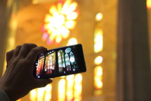 Someone photographed with a smartphone the Sagrada Familia from the inside