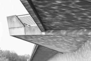 Reflexionen des Wassers an der Torminbrücke in Münster