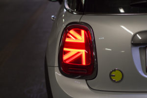 Rear light of the electric Mini Cooper SE