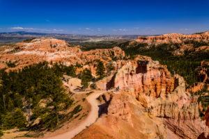 USA, Utah, Garfield County, Bryce Canyon National Park, Sunrise Point, Queens Garden Trail