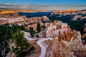 USA, Utah, Garfield County, Bryce Canyon Nationalpark, Sunrise Point, Queens Garden Trail