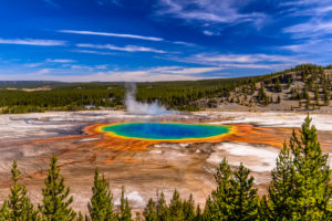 USA, Wyoming, Yellowstone National Park, Midway Geyser Basin, Grand Prismatic Spring