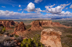 USA, Colorado, Colorado National Monument, Fruita, Monument Canyon with Independence Monument and The Island, Grand View