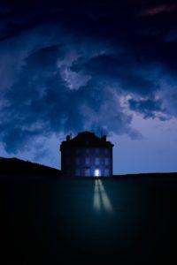 Villa, Fenster, beleuchtet, Abend, (M),