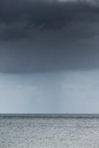 Regenwolken über der Ostsee