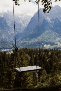 Schaukel in Waldstück in Garmisch-Partenkirchen  / Instagram-Hotspot