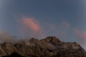 Sonnenuntergang am Eibsee in Bayern mit Wettersteinmassiv