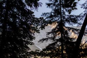 Sonnenaufgang in Grainau am Eibsee in Bayern mit Alpenpanorama