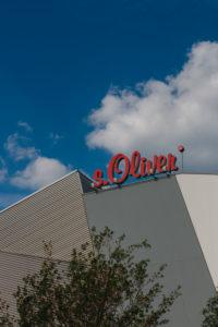 Headquarter s.Oliver Modehersteller in Rottendorf bei Würzburg Logo