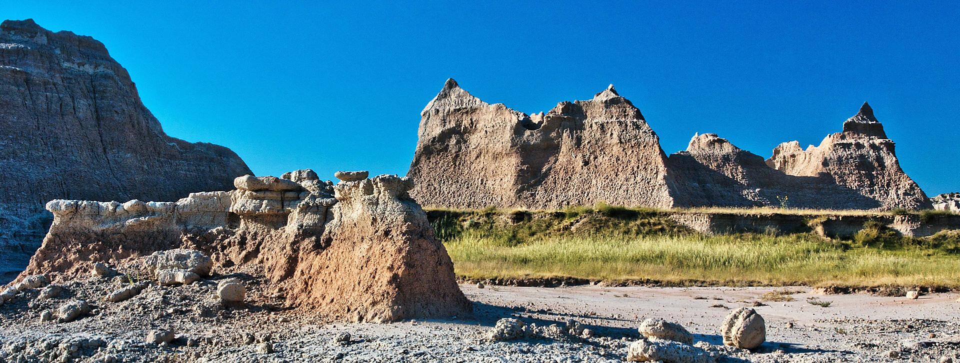 South Dakota, Badlands National Park, rock formation, plain