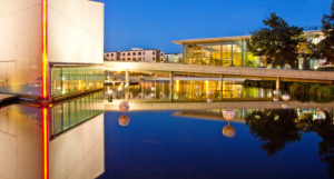 Wolfsburg, Autostadt, night photography, architecture, water reflexion,