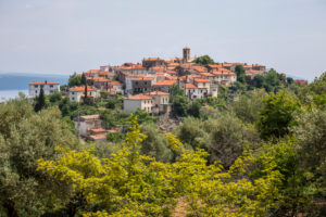 Blick auf Beli, Insel Cres, Kvarner Bucht, Kroatien