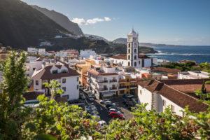 Blick über Garachico mit der Kirche Santa Ana, Teneriffa, Kanarische Inseln, Spanien