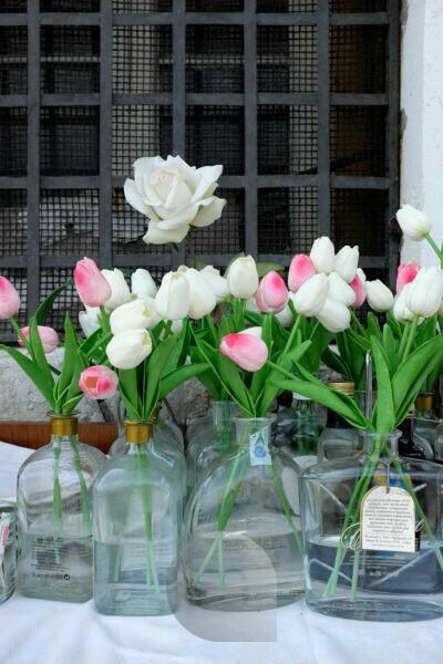 Giudecca Island Venice - Harry's Dolci Restaurant - little sister of Harry's Bar, flower vases