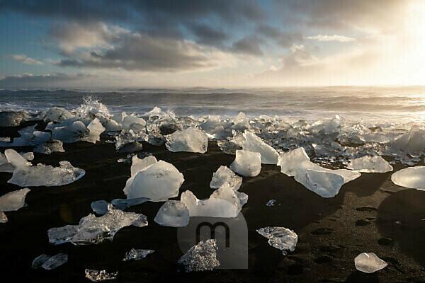 Iceland, Iceland in autumn, view of ice on Diamond Beach
