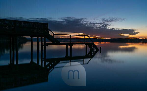 Steg am Ammersee bei Sonnenuntergang