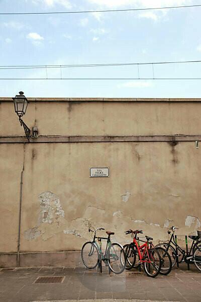 Wall, Prato, Tuscany, Italy, city