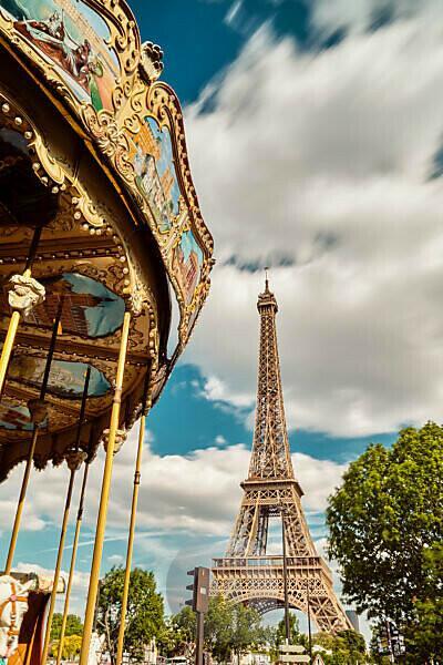 Europe, France, Paris, Eiffeltower, La tour Eiffel, champ de mars,7. Arrondissement, carousel