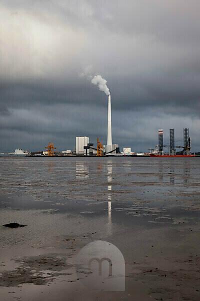 Ausschiffungshafen für Windkraftanlagen, Windenergie, Energiewende, Nachhaltigkeit, Industrie