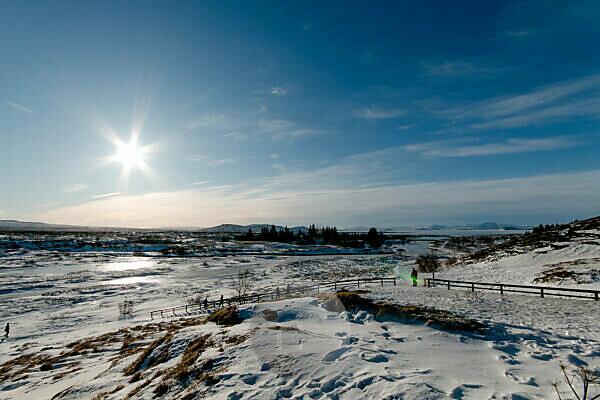 Thingvellir Nationalpark Aussicht auf schneebedeckte Berge in Island