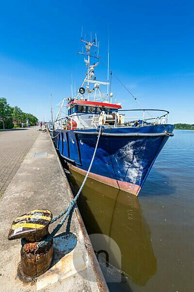 Schiff im Rostocker Hafen