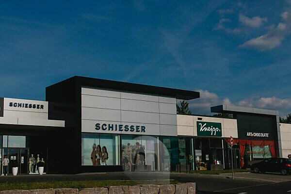 Outlet Center in Rottendorf bei Würzburg zu Zeiten von Corona Schiesser und Kneipp