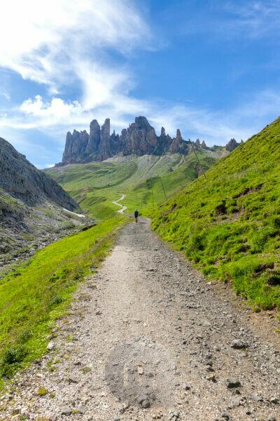 Road to Denti di Terrarossa - Rosszähne, Sciliar group - Schlerngruppe and Tierser Alpl hut,  Dolomites, South Tyrol, Italy
