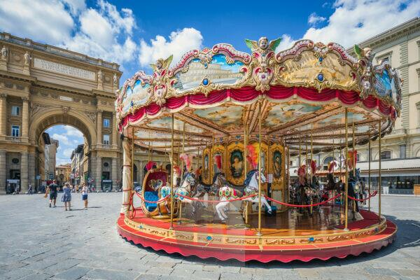 Piazza della Repubblica with the Tuscan carousel, Florence, Tuscany, Italy, Europe