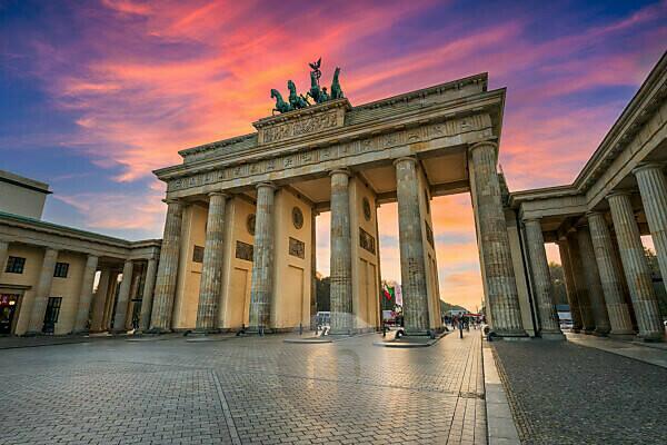 Sunset at the Brandenburg gate in Berlin, Germany