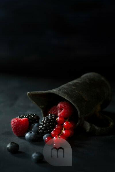 Berries and old zinc can