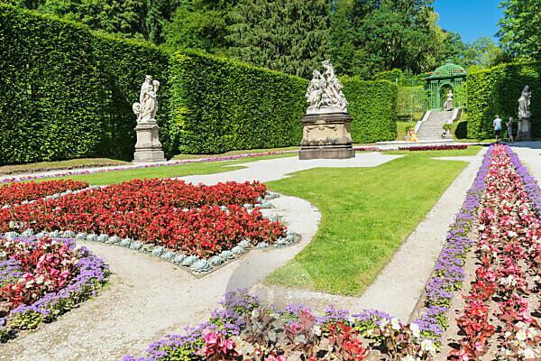 Palace garden of Linderhof Palace, Upper Bavaria, Bavaria, Germany