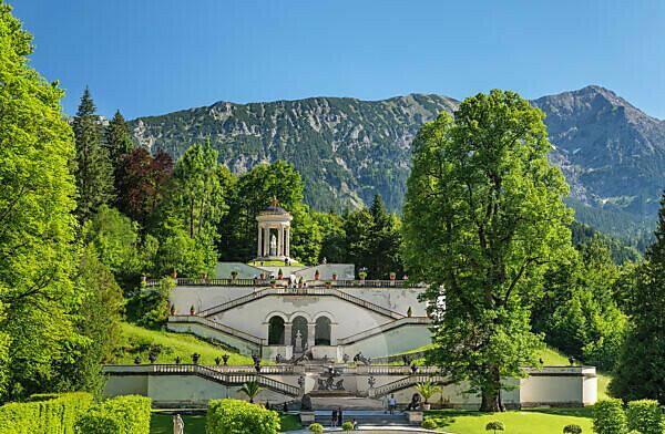 Treppenanlage mit Venustempel, Schloss Linderhof, Oberbayern, Bayern, Deutschland