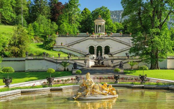 Water parterre with Flora Fountain and Venus Temple, Linderhof Palace, Upper Bavaria, Bavaria, Germany