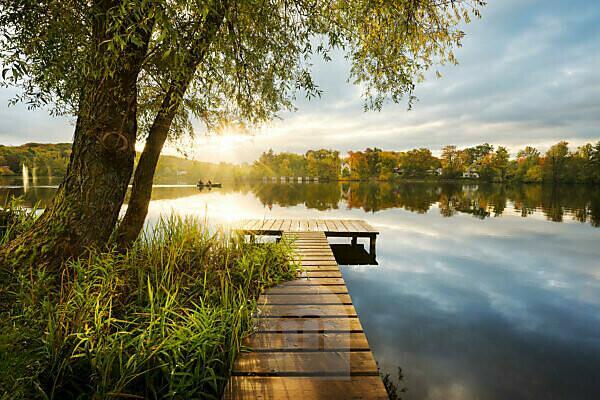 Lake, water, Fünfseenland, Lake Weßlinger See, jetty, tree, atmosphere, back light, sunrays, morning,