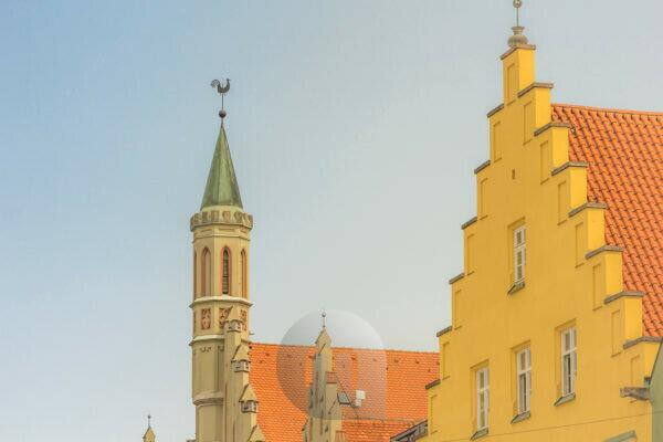 The city hall in Landshut, tower, spire with weathercock, detailed view