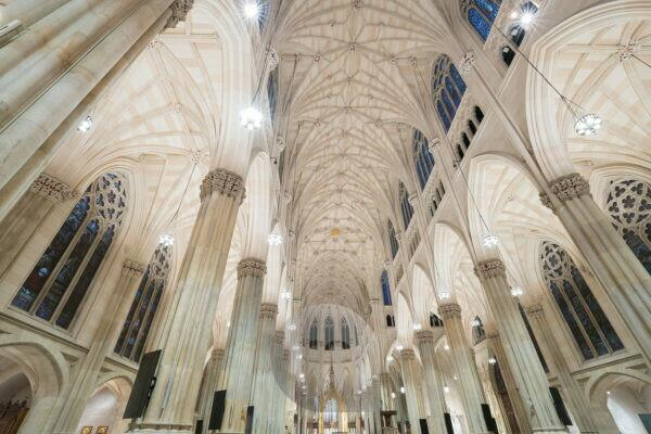 Interior view the St. Patrick's Cathedral, 5Th avenue, Manhattan, New York city, New York, the USA