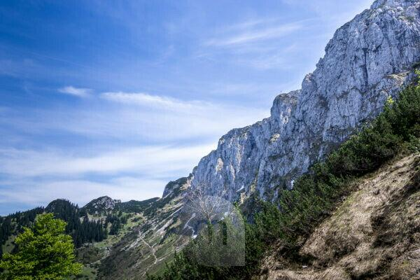 Germany, Bavaria, Bavarian alps, Jachenau, view at the massive Benediktenwand