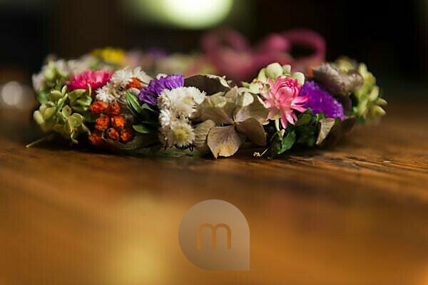 Blumenkranz mit Trockenblumen