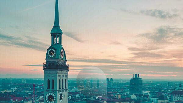 Turm von Sankt Peter vor Altstadt, München, Oberbayern, Bayern, Deutschland