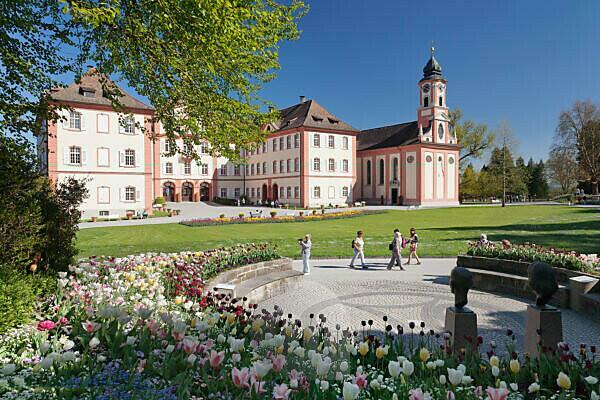 Tulpenblüte mit Schloss und Schlosskirche, Insel Mainau, Bodensee, Baden-Württemberg, Deutschland