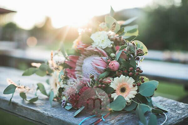 Brautstrauss bei alternativer Hochzeit, close-up