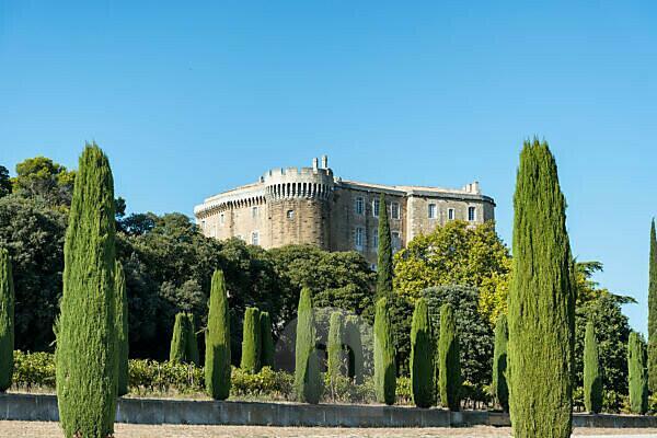 Suze-la-Rousse, Drôme, Provence, Provence-Alpes-Côte d'Azur, France, Renaissance castle Suze-la-Rousse built in in the 16th century, at dusk