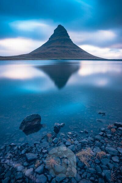 Europe, Northern Europe, Iceland, Snaefellsnes, Grundarfjördur, reflection of the Kirkjufell in a small lake