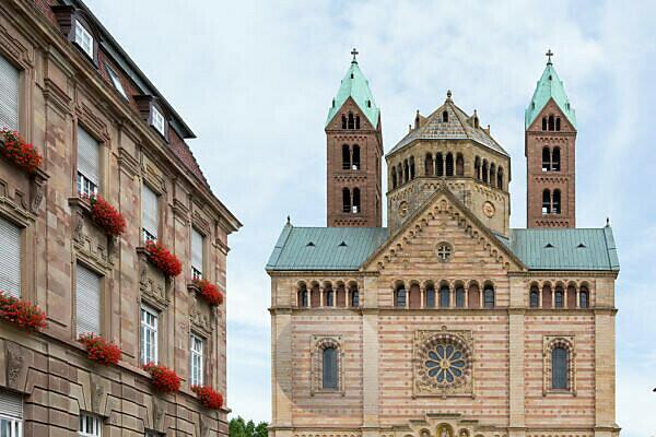 Der Dom von Speyer, größte erhaltene romanische Kirche Europas. UNESCO Weltkulturerbe