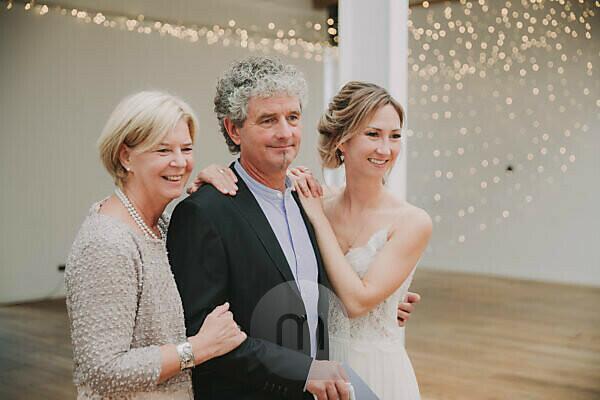 Wedding, bride, bride's parents, half portrait,